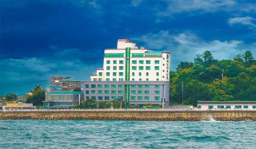 Benikea Hotel Mountain & Ocean Daepohang - Sokcho