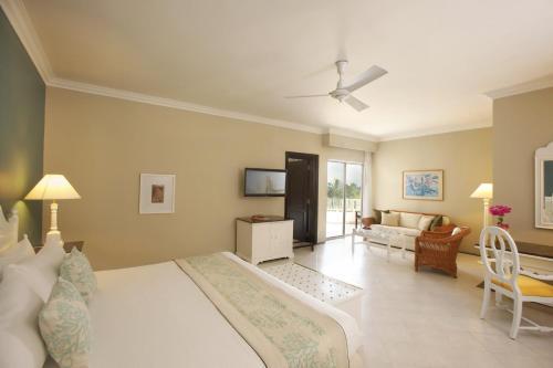 Taj Bentota Resort & Spa room photos