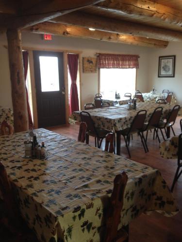 Montana's Duck Lake Lodge - Babb, MT 59411