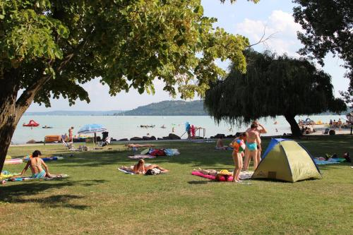 Happy Camp mobile homes in BalatonTourist Fured Camping & Bungalows