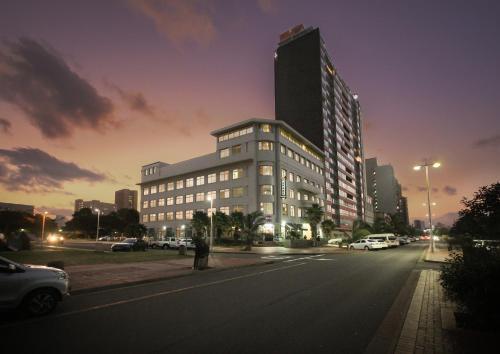 . Parade Hotel