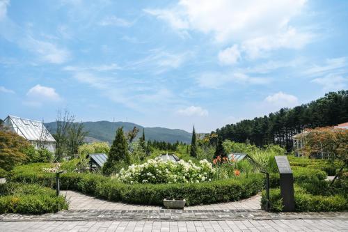 Eden Paradise Hotel - Icheon