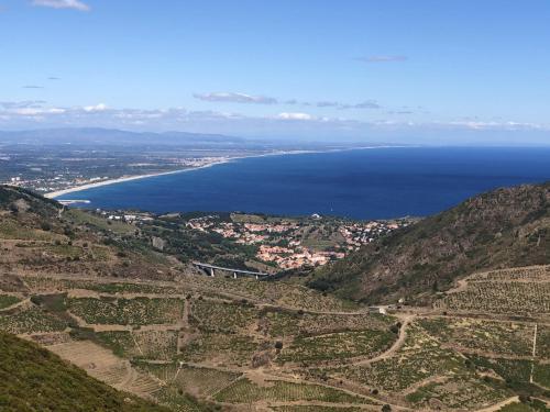 Appartement d'une chambre a Argeles sur Mer avec magnifique vue sur la montagne piscine partagee et terrasse amenagee a 350 m de la plage - Location saisonnière - Argelès-sur-Mer