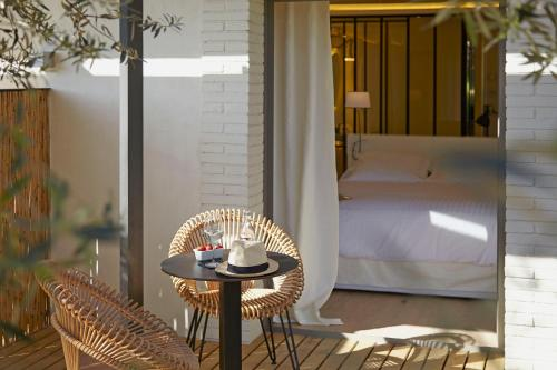 Habitación Doble Deluxe con balcón Hotel Mas Lazuli 4