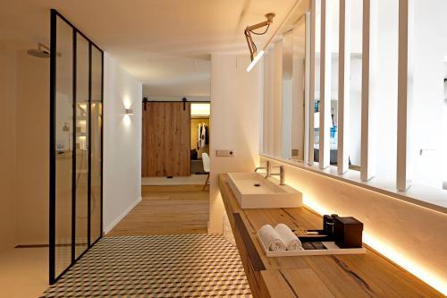 Suite Hotel Mas Lazuli 6