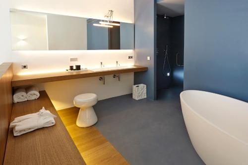 Suite Hotel Mas Lazuli 18