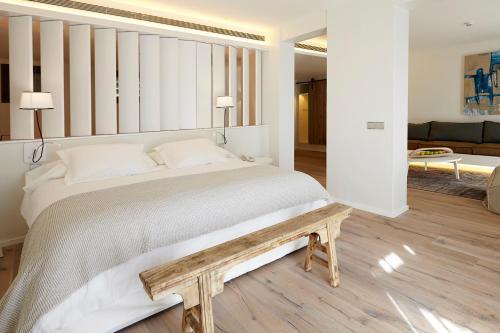 Suite Hotel Mas Lazuli 11