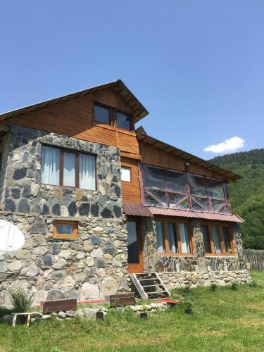 Accommodation in Chokhuldi