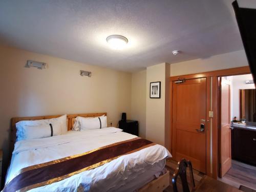 Riverfront Estate Bed&Breakfast Banff - Accommodation