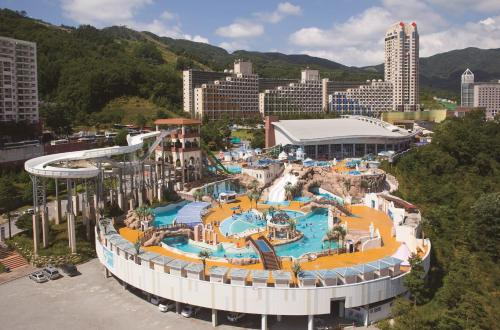 Family Connecting Room - Club Suite with Water park Ticket - Hocance Package