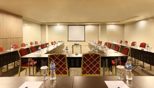 A Hotel Com Novotel Jakarta Gajah Mada Hotel Jakarta Indonesia Price Reviews Booking Contact
