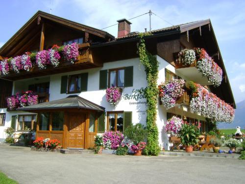 Landhaus Berktold - Apartment - Obermaiselstein-Grasgehren
