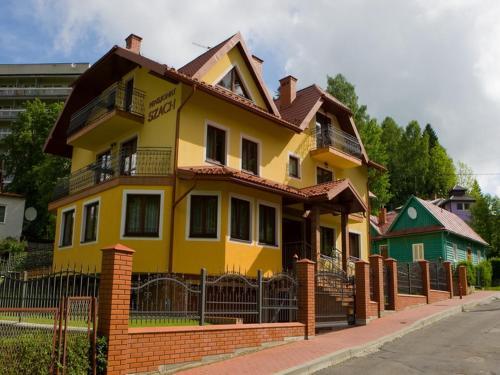 Pensjonat Szach - Accommodation - Krynica
