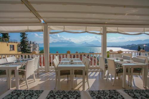 Antalya Bacchus Pension yol tarifi