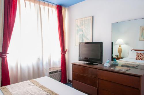 Hs Apartments - Honolulu, HI 96815