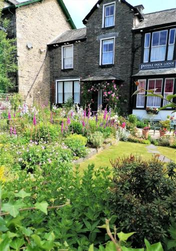 Puddle Duck Lodge – Adults Only
