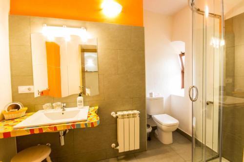 Habitación Doble con cama supletoria - 2 camas La Posada de Grimaldo 5