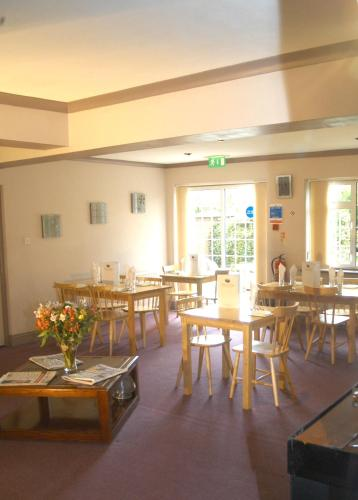 Furnival Lodge (Bed and Breakfast)