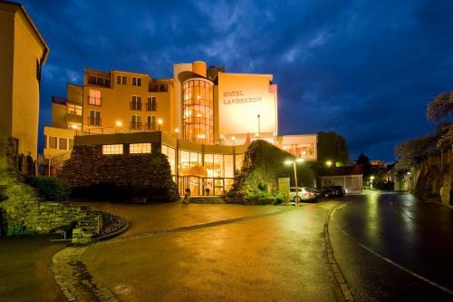 Фото отеля Hotel Landskron