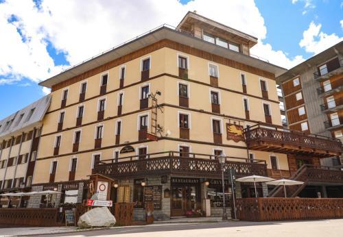 Art Hotel Grivola - Breuil-Cervinia