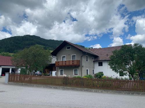 FeWo Lüttich - Hotel - Etmissl