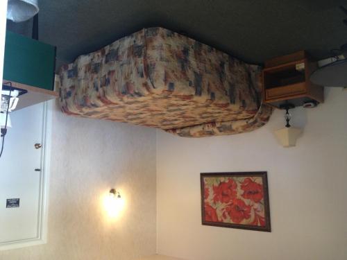 . Redwood Motel