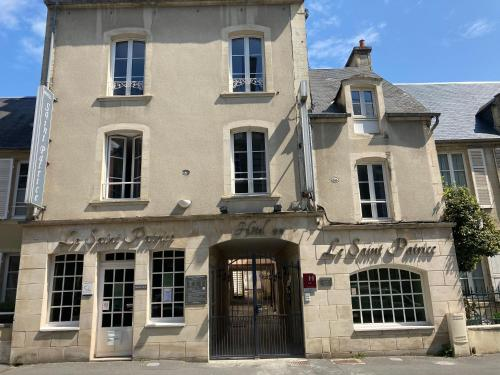 . Saint Patrice Hôtel et Appart Hôtel