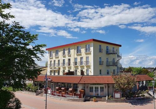 . Seehotel Lönö