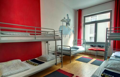 Albergue Heart of Gold Hostel Berlin thumb-2