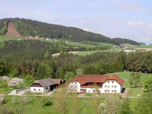 Фото отеля Urlaub am Bauernhof Wenigeder - Familie Klopf