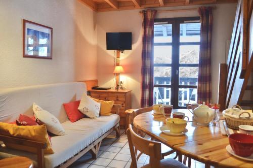 Granges 31 - DUPLEX 6PERS PIED PISTES DOMAINE ALPE D'HUEZ - Apartment - Villard Reculas