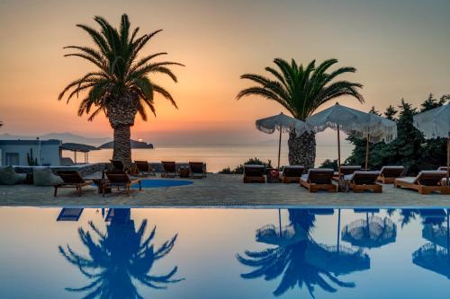 . Faros Resort