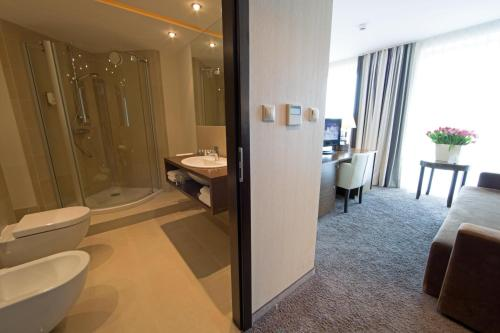 Atrium Double Room with Spa Package