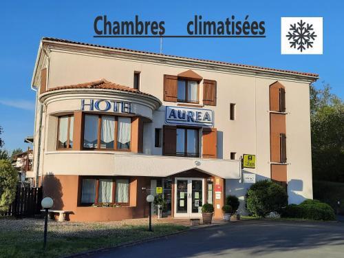 . Logis Aurea Hotel