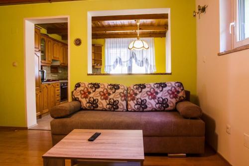 Apartma TOBI - Apartment - Bovec