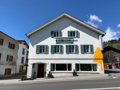 Waldheim Pension Laax - Accommodation