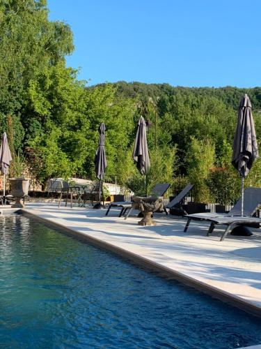 . Les appartements d artiste de la Villa du 15 - Restaurant La Maison - piscine chauffée