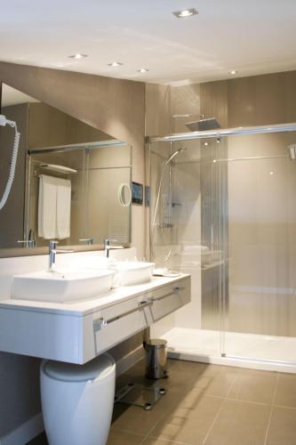 Habitación Doble Confort Costa Esmeralda Suites 5