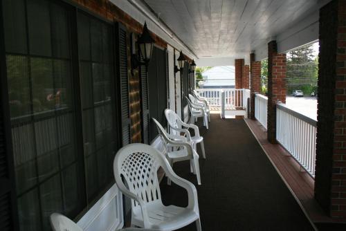 Sea View Motel - Ogunquit, ME 03907