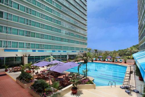 Regal Riverside Hotel photo 8