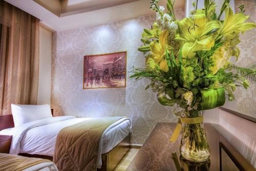 HotelNadine Hotel Suites