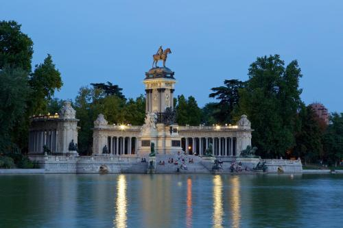 Alfonso XII 14, Madrid 28014, Spain.