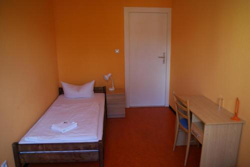 Happy go Lucky Hotel + Hostel photo 39