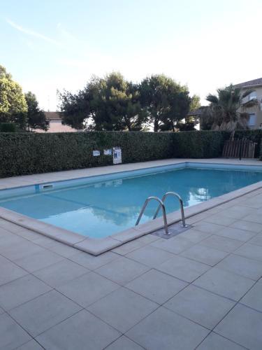 Résidence calme avec piscine - Location saisonnière - Béziers