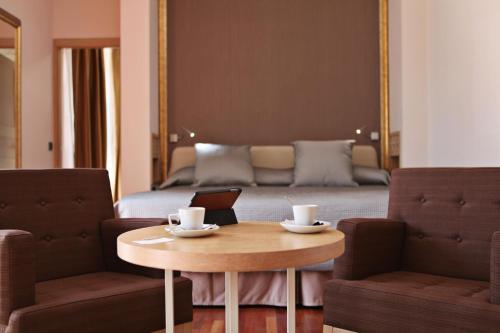 Habitación Deluxe con cama extragrande Casa Consistorial 21