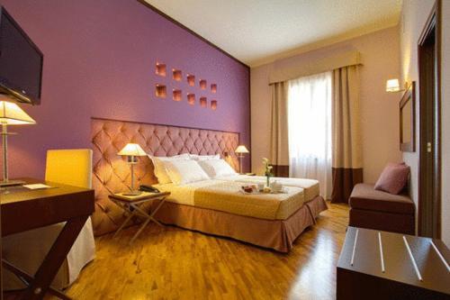 . Hotel Messenion