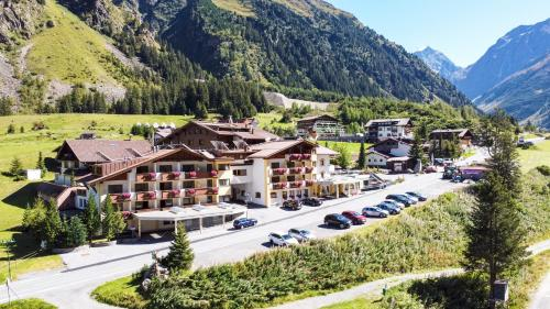 Hotel Gundolf St. Leonhard / Pitztal