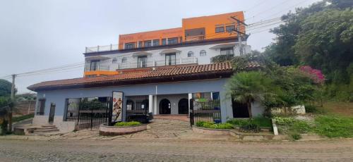 . Vista Los Volcanes Hotel y Restaurante
