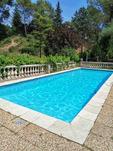 . Appartement de 3 chambres a Berre les Alpes avec piscine privee jardin amenage et WiFi