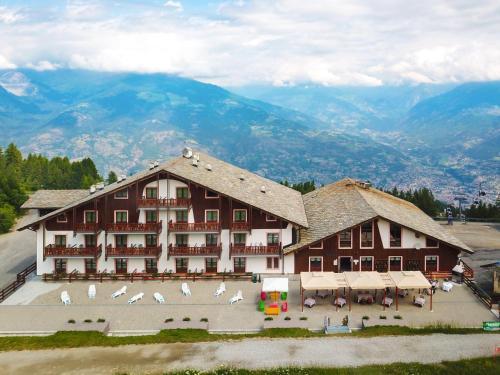 Etoile De Neige - Hotel - Pila